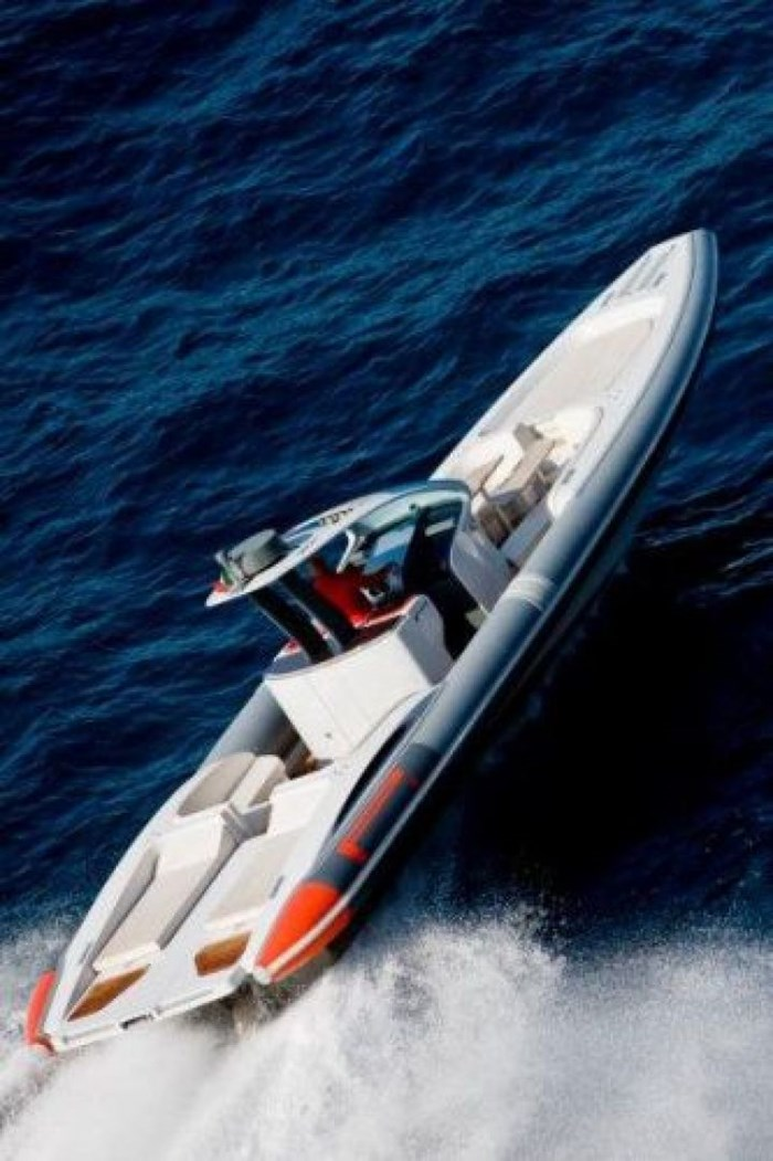 2020 Pirelli PZero 1400 Yacht Edition Photo 2 sur 18