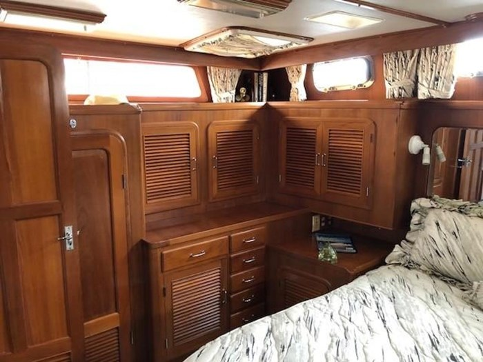 1984 Spindrift 48 Aft Cabin MY Photo 21 of 36