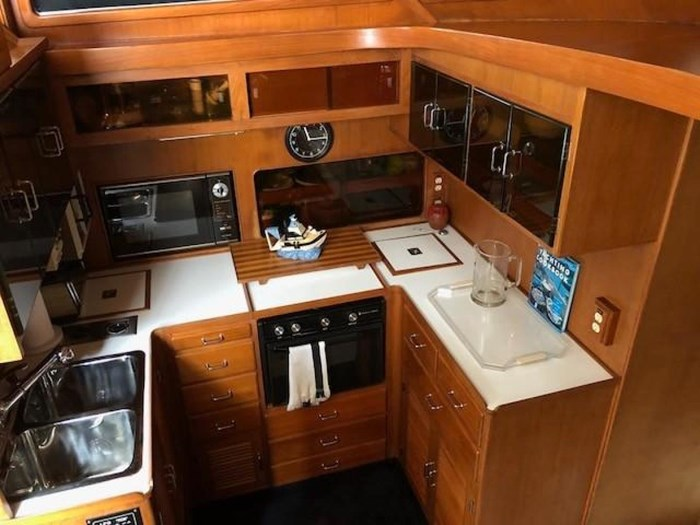 1984 Spindrift 48 Aft Cabin MY Photo 27 of 36