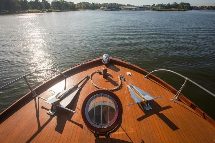 1953 Chris-Craft Flybridge Motor Yacht Photo 22 sur 53