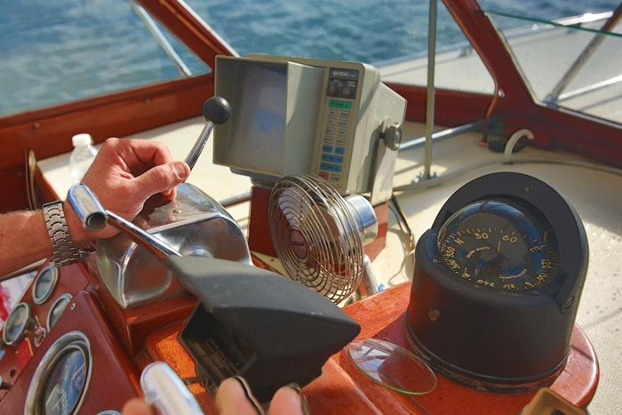1953 Chris-Craft Flybridge Motor Yacht Photo 41 sur 53