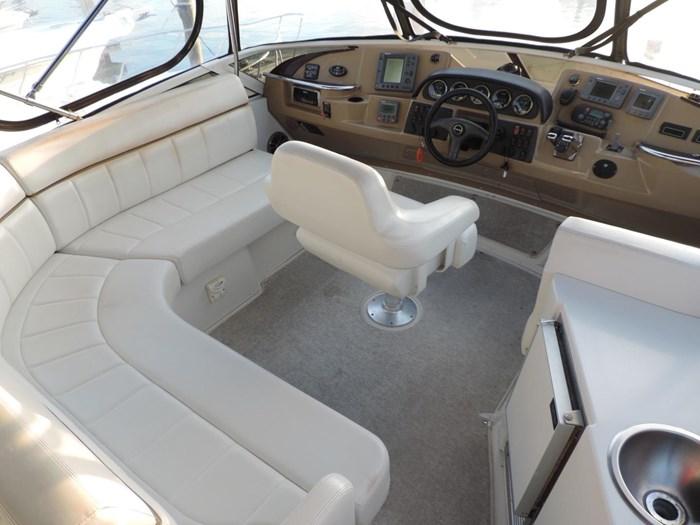 2004 Carver 444 Cockpit Motor Yacht Photo 10 sur 30