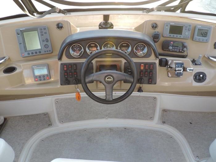 2004 Carver 444 Cockpit Motor Yacht Photo 11 sur 30