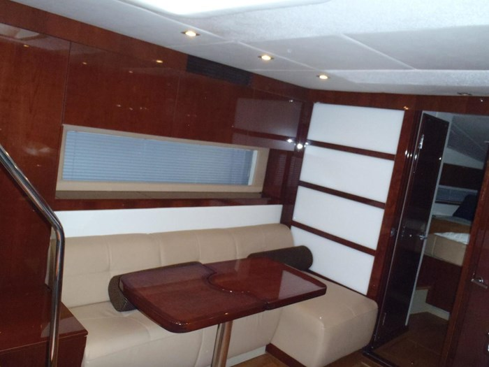 2012 Sea Ray 450 Sundancer Photo 5 sur 50