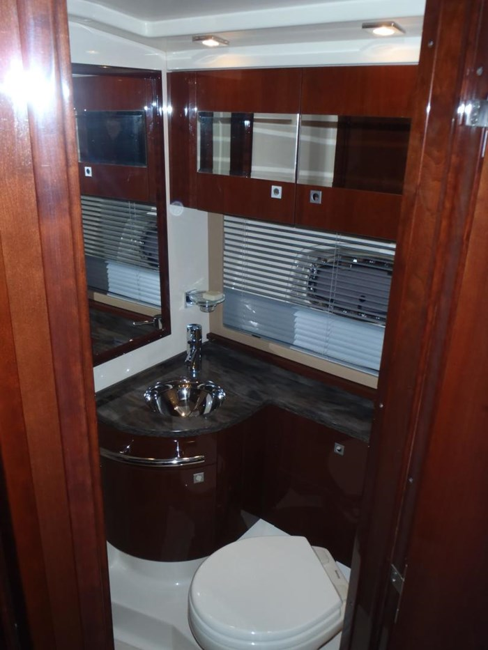 2012 Sea Ray 450 Sundancer Photo 14 sur 50