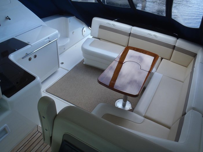 2012 Sea Ray 450 Sundancer Photo 21 sur 50
