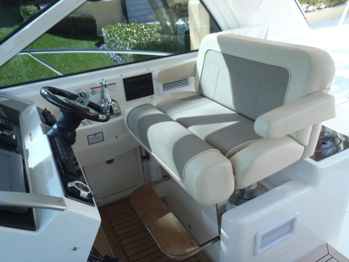 2012 Sea Ray 450 Sundancer Photo 31 sur 50