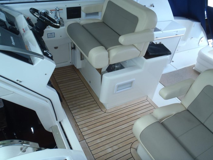 2012 Sea Ray 450 Sundancer Photo 32 sur 50