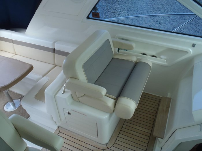 2012 Sea Ray 450 Sundancer Photo 33 sur 50