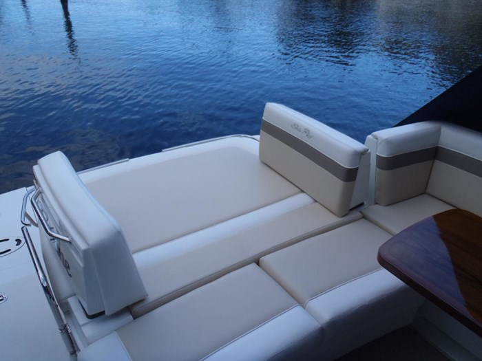 2012 Sea Ray 450 Sundancer Photo 40 sur 50