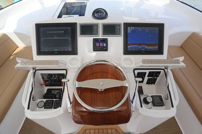 2014 Viking Yachts 42' Open Photo 15 of 32