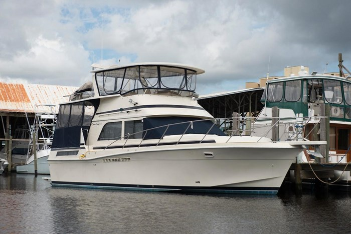 Chris-Craft 426 Catalina 1986 Used Boat for Sale in Daytona Beach, Florida  - BoatDealers ca