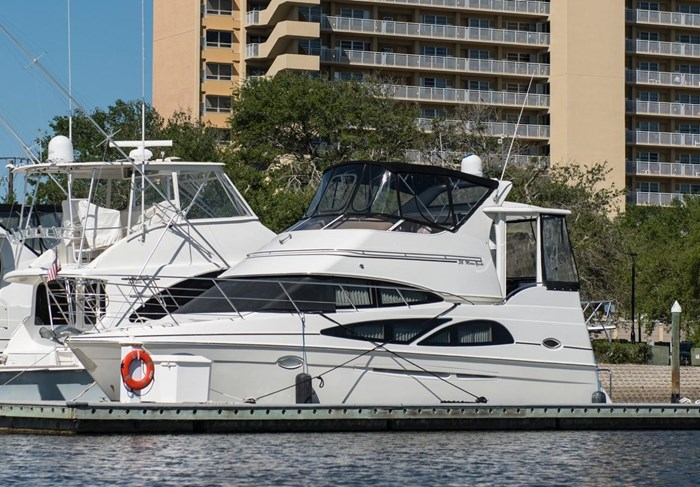 2005 Carver 366 Motor Yacht Photo 1 sur 37