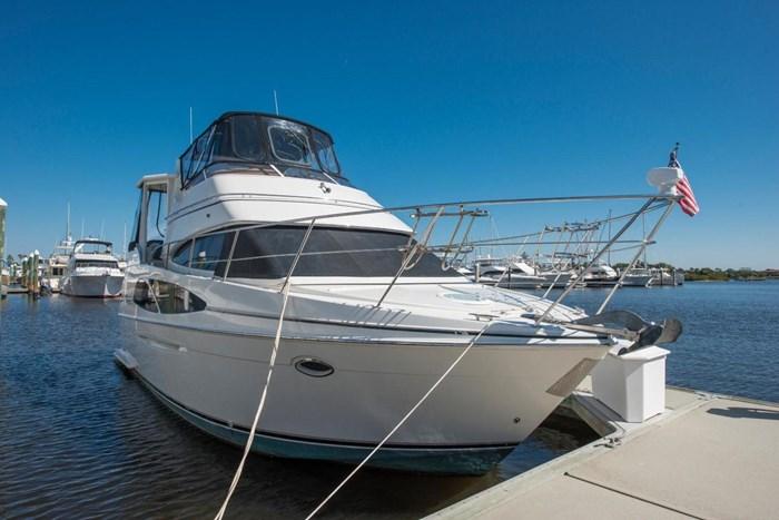 2005 Carver 366 Motor Yacht Photo 4 sur 37
