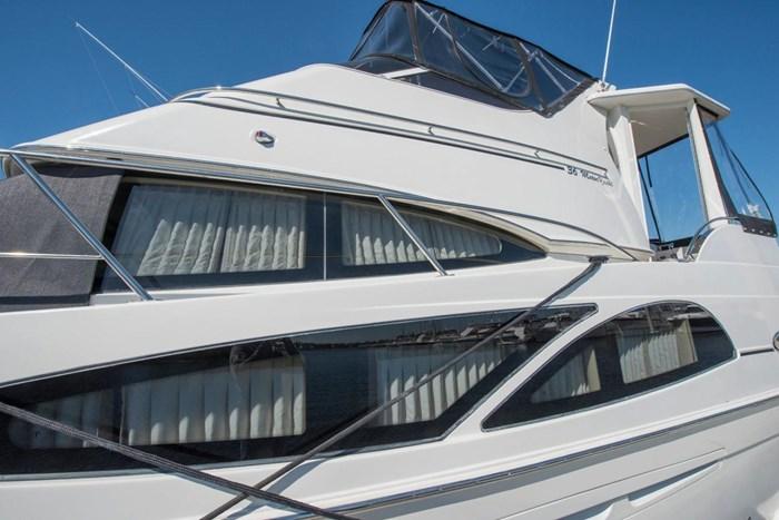 2005 Carver 366 Motor Yacht Photo 5 sur 37