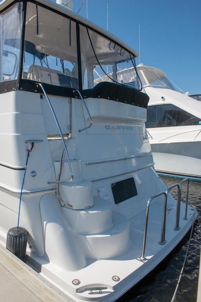 2005 Carver 366 Motor Yacht Photo 7 sur 37