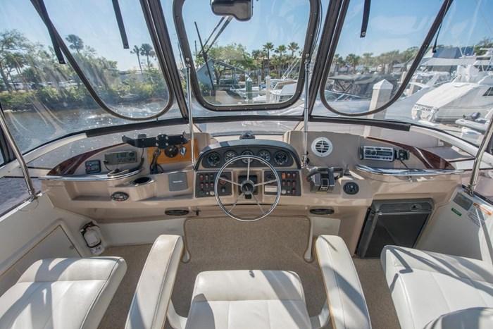 2005 Carver 366 Motor Yacht Photo 17 sur 37