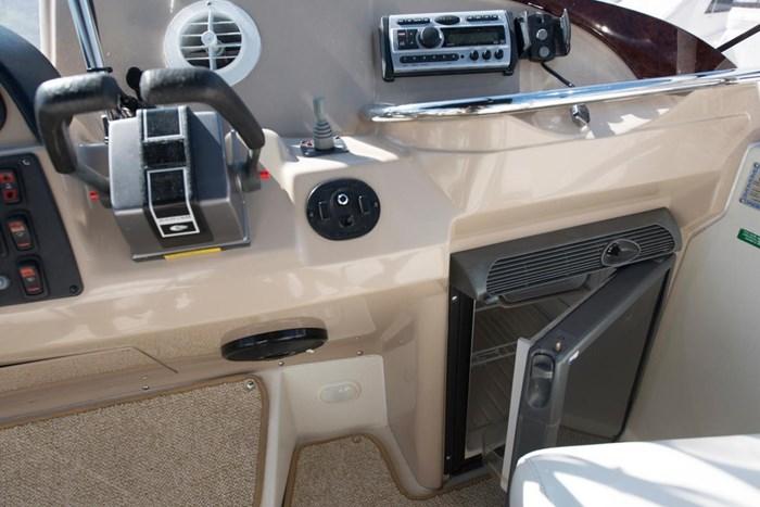 2005 Carver 366 Motor Yacht Photo 19 sur 37