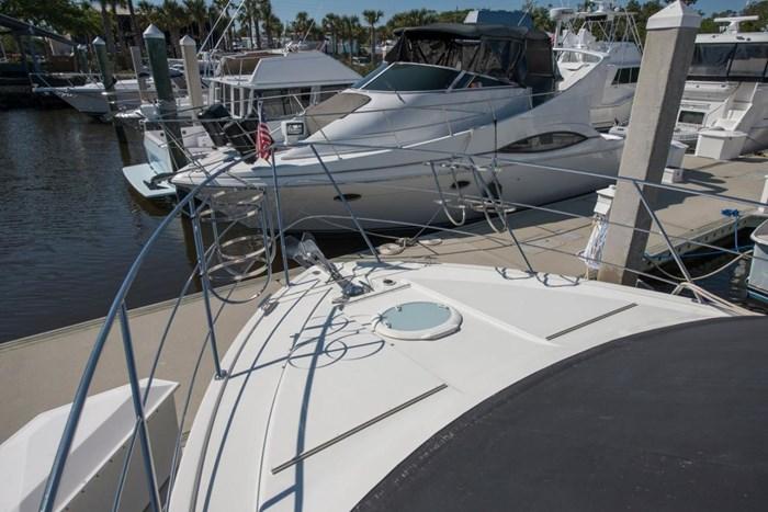 2005 Carver 366 Motor Yacht Photo 21 sur 37