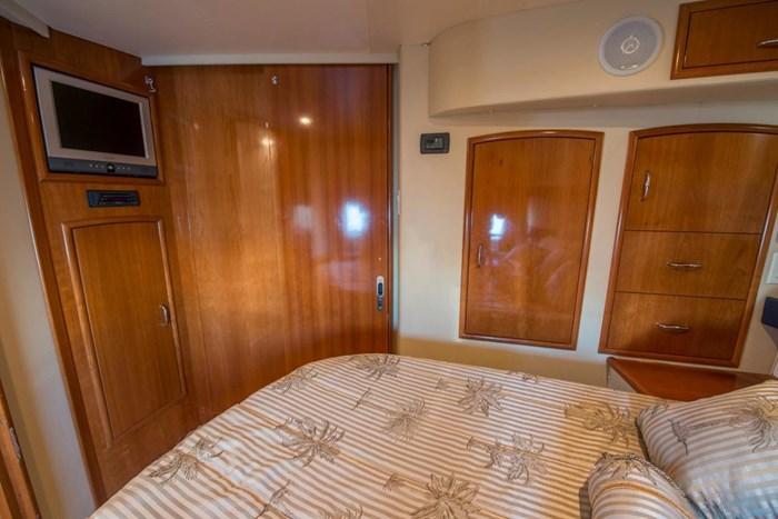 2005 Carver 366 Motor Yacht Photo 33 sur 37