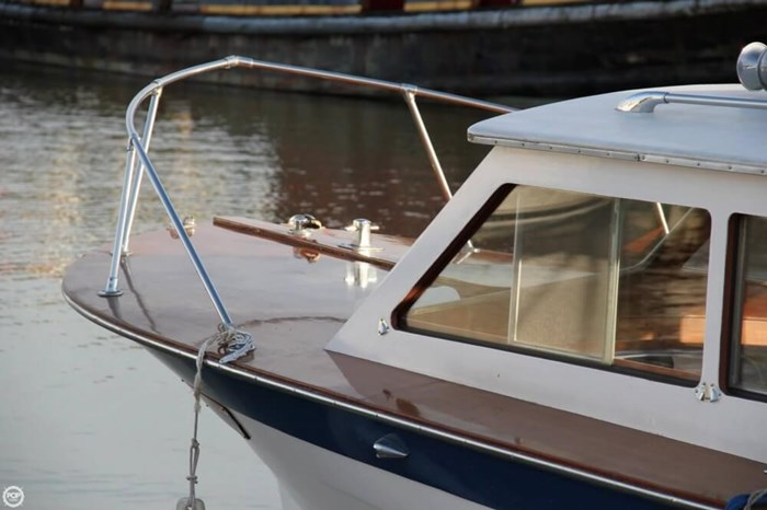1969 Lyman 26 Express Cruiser Photo 5 of 20