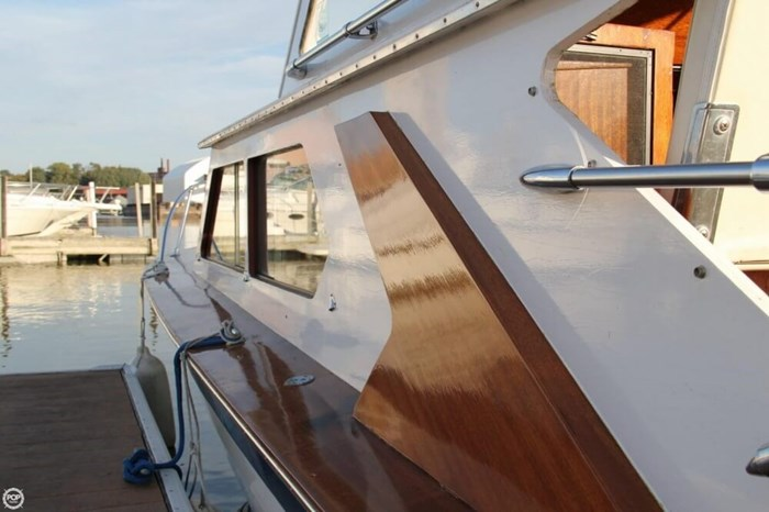 1969 Lyman 26 Express Cruiser Photo 7 of 20