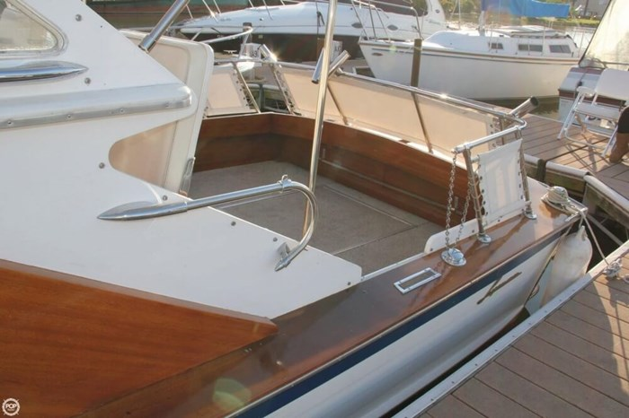 1969 Lyman 26 Express Cruiser Photo 8 of 20