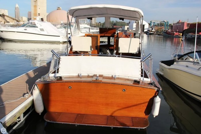 1969 Lyman 26 Express Cruiser Photo 16 of 20