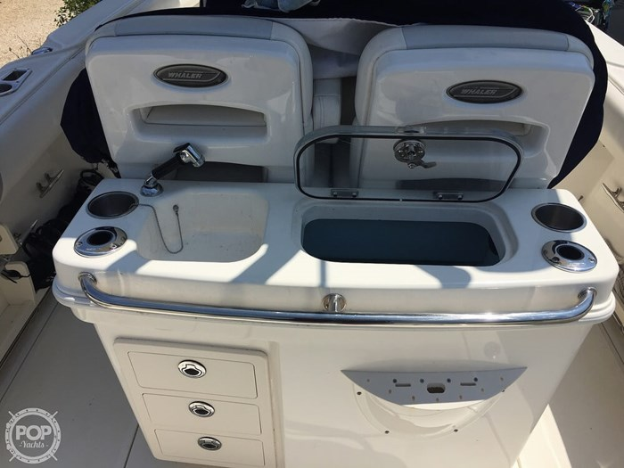 2014 Boston Whaler 250 Outrage Photo 7 of 14