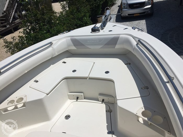 2014 Boston Whaler 250 Outrage Photo 8 of 14