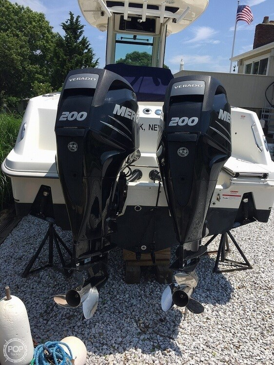 2014 Boston Whaler 250 Outrage Photo 13 of 14