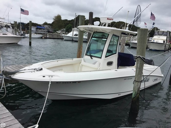 2014 Boston Whaler 250 Outrage Photo 2 of 14