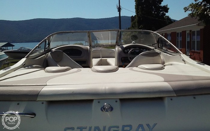 2005 Stingray 230LX Photo 8 sur 20