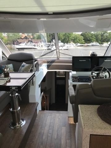 2014 Cruisers Yachts 48 Cantius Photo 8 of 22