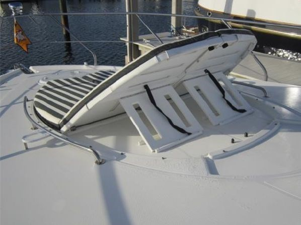2014 Cruisers Yachts 48 Cantius Photo 21 of 22
