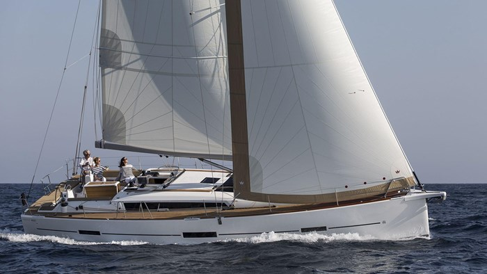 2021 Dufour Yachts Grand Large 460 Photo 2 sur 42