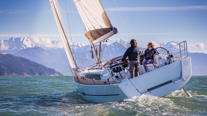 2020 Dufour Yachts Grand Large 310 Photo 1 of 16