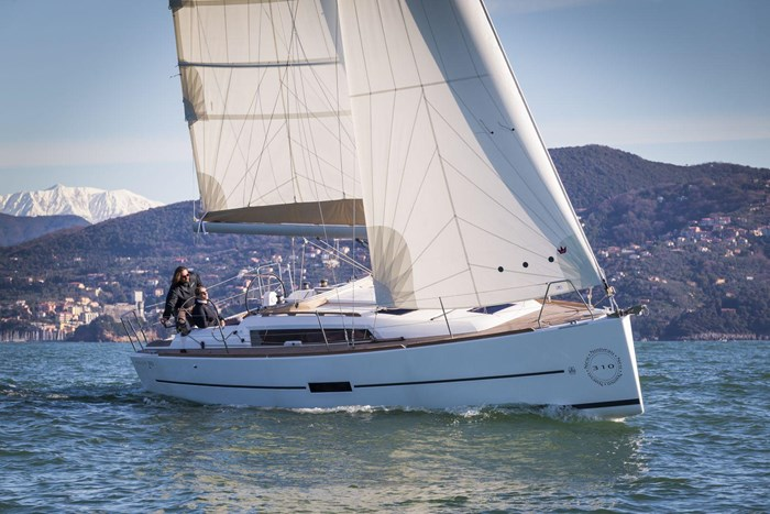 2020 Dufour Yachts Grand Large 310 Photo 2 of 16