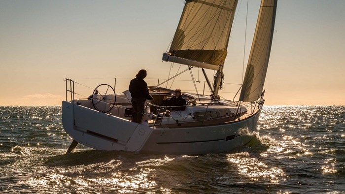2020 Dufour Yachts Grand Large 310 Photo 3 of 16