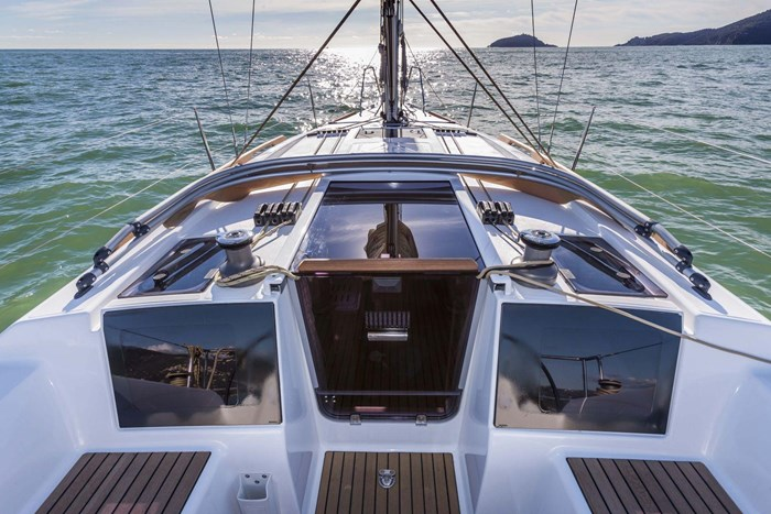 2020 Dufour Yachts Grand Large 310 Photo 5 of 16