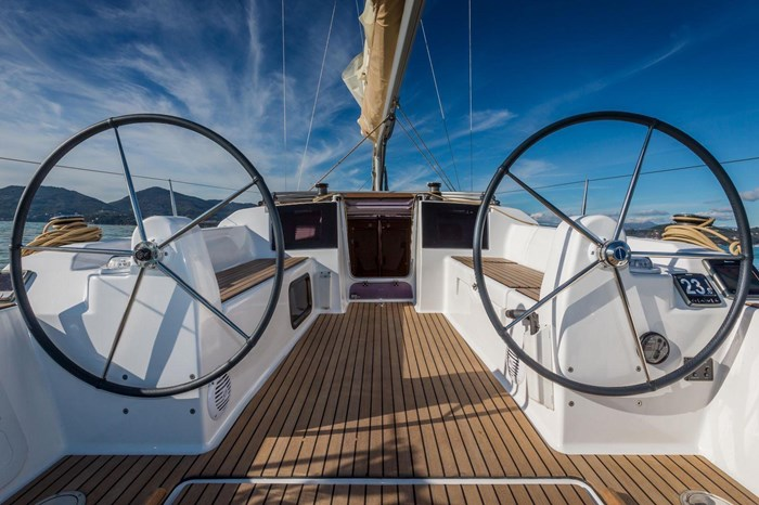 2020 Dufour Yachts Grand Large 310 Photo 6 of 16