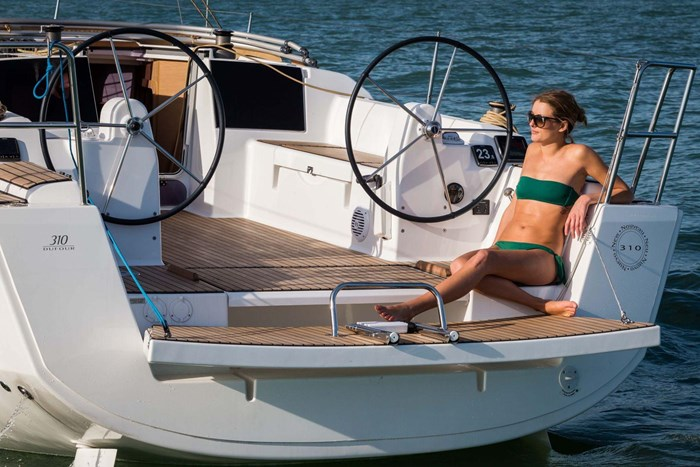 2020 Dufour Yachts Grand Large 310 Photo 8 of 16