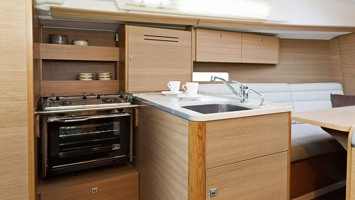 2020 Dufour Yachts Grand Large 310 Photo 11 of 16