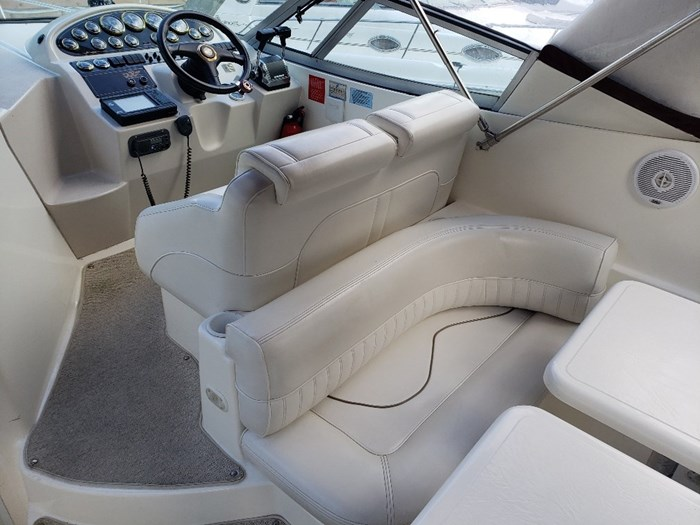 1999 Cruisers Yachts 2870 Express MC Photo 7 sur 25