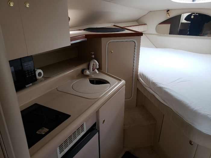 1999 Cruisers Yachts 2870 Express MC Photo 20 sur 25