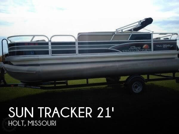 2015 Sun Tracker Fishin Barge 20 DLX Signature Photo 1 of 21
