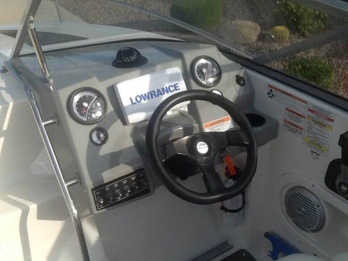 2015 Bayliner Overnighter 642 Cuddy Cabin Photo 3 sur 20