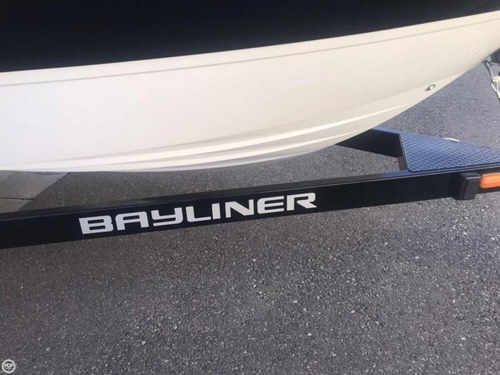 2015 Bayliner Overnighter 642 Cuddy Cabin Photo 19 sur 20
