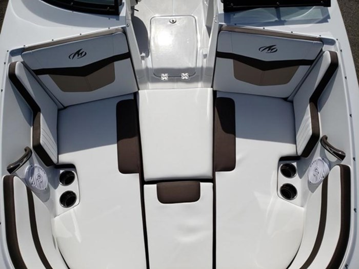2019 Monterey M22 Bowrider Photo 11 of 13