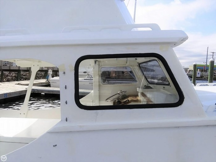1988 Harkers Island 32 Cruiser Core Sounder Photo 10 of 20